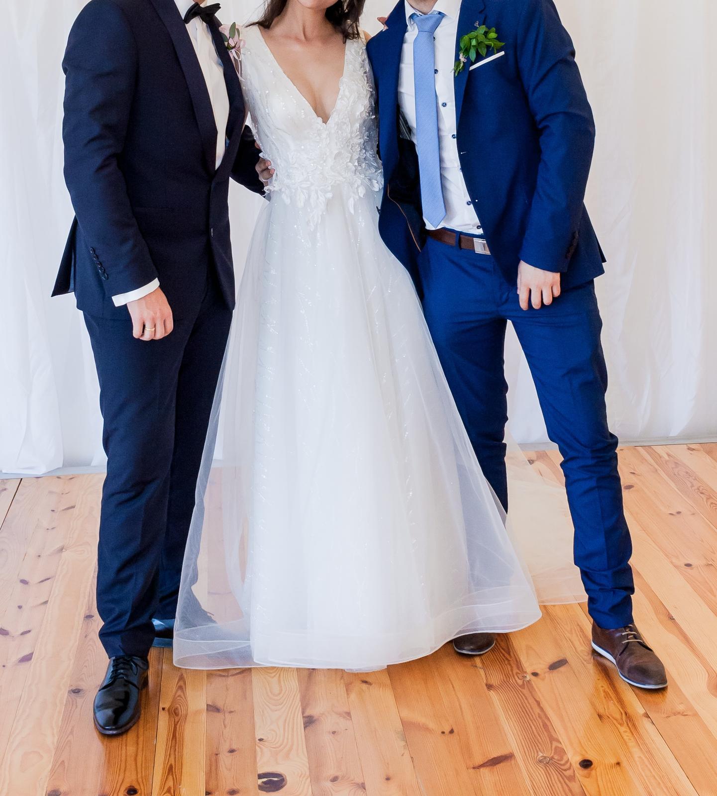 Svadobné šaty - výstrih do V - Obrázok č. 4
