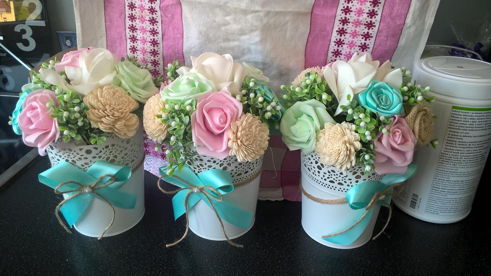 Umělé květiny v květináči mintovo-růžové - Obrázek č. 1