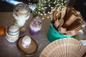 vintage ozdoby. svietniky. sviečky. vázy na kvety,