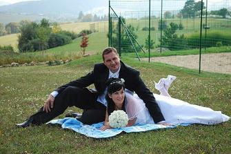 Nevěsta a ženich po obídku...