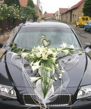 A takto bude vypadat mé autíčko, ale kytky nebudou všechny bílé