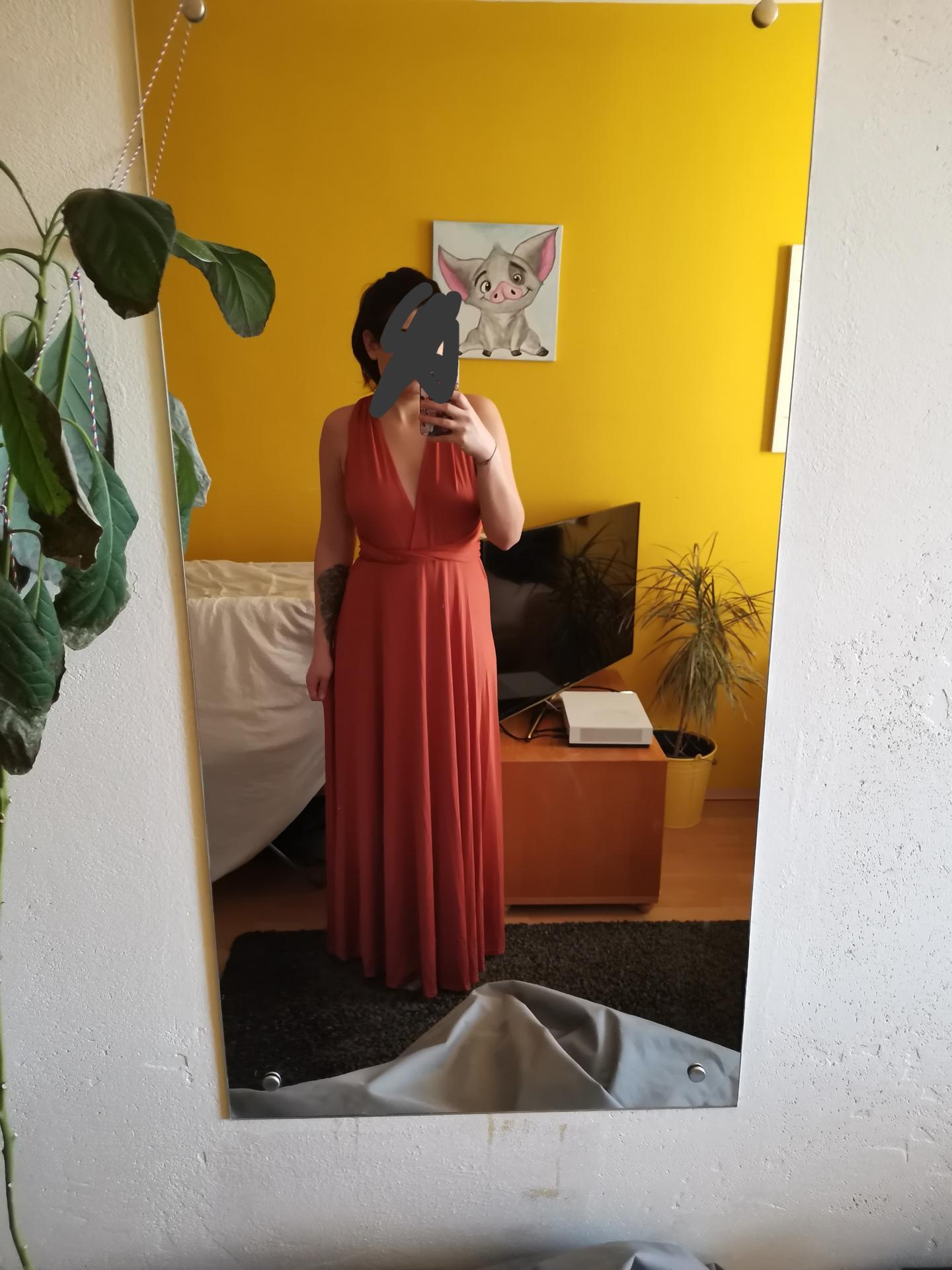 Vrabcovi 10.9.2022 - Dneska dorazila první várka ali 😍 mám šaty pro družičky