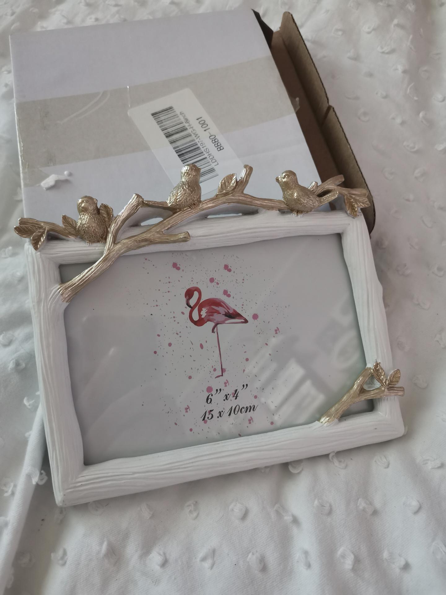 Vrabcovi 10.9.2022 - rámečky pro rodiče s naší fotkou z předsvatebního focení - ali a je to pravý sklo, žádný plexi