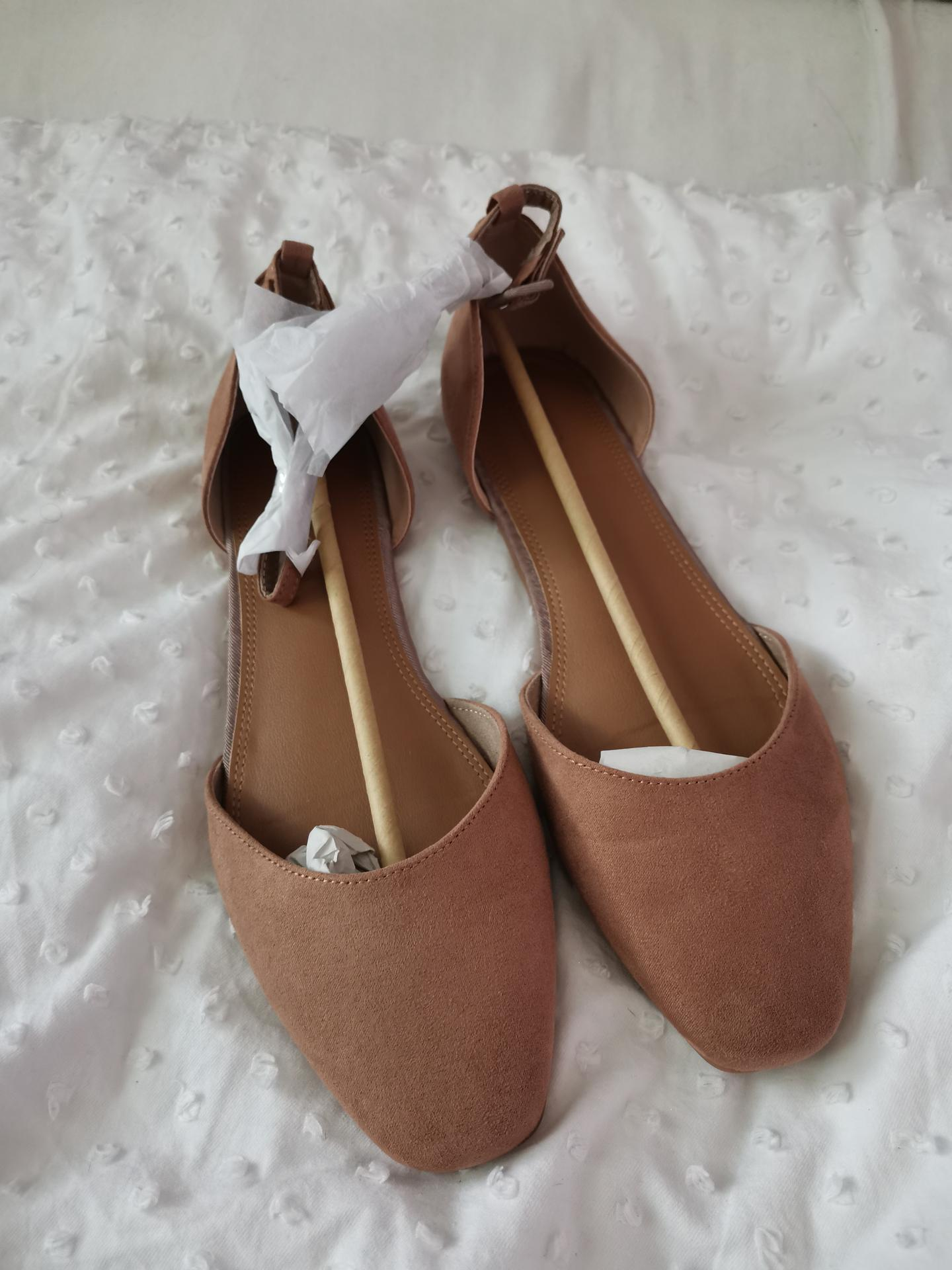Vrabcovi 10.9.2022 - Svatební boty - asos
