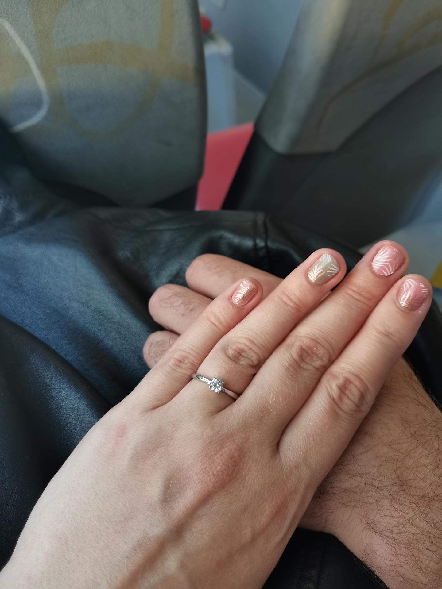 😍😍😍😍😍😍😍😍😍😍😍😍😍Jsem oficiálně zasnoubená 😍😍😍😍😍😍😍😍😍😍 dne 9.9.2021 - Obrázek č. 1