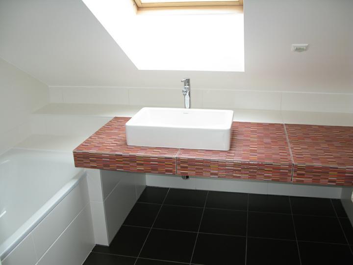 Nas dom - Podkrovna kupelna dokoncena, 2010