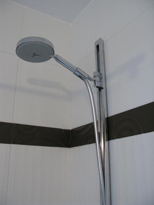 Nas dom - Detail sprchoveho kuta