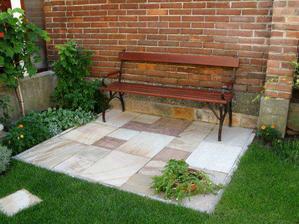 Prijemne zakutie v zahrade