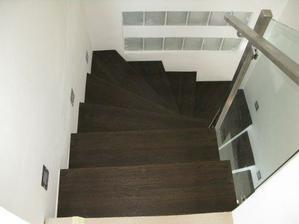 Prave dokoncene schody, 2009