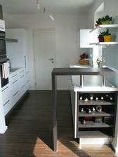 Hotova kuchyna so sklenenou zastenou 2009