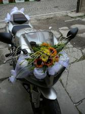 Takhle nějak nazdobím motorku :-)