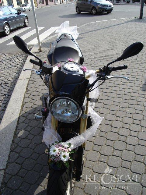 Bára a Jirka - příprava svatby 9.9.2009 v Chodově u KV - Obrázek č. 25