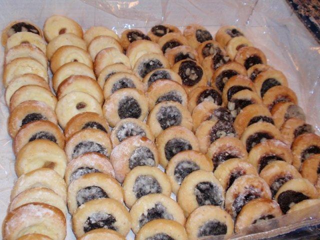 Bára a Jirka - příprava svatby 9.9.2009 v Chodově u KV - Ochutnávka koláčků...