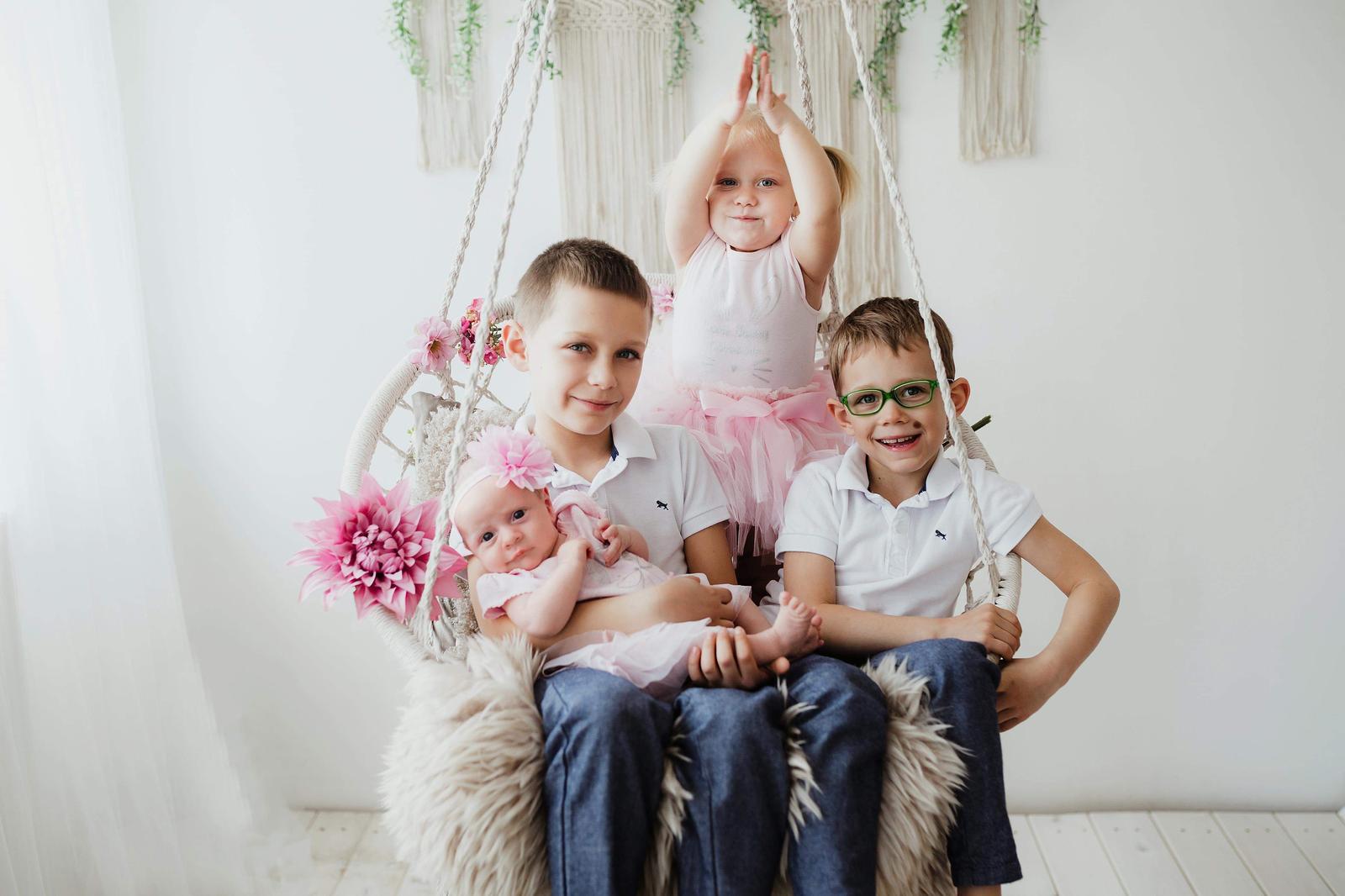 Bára Miltnerová{{_AND_}}Jirka Spěváček - Naše 4 děti