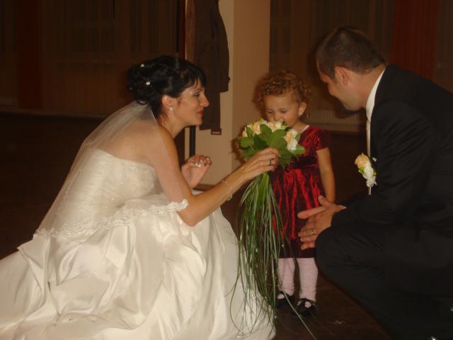 Nas najkrajsi den D - svadobna kyticka sa velmi Sofinke pacila