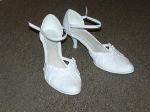 prosím holky, kde sehnat tyhle botky?