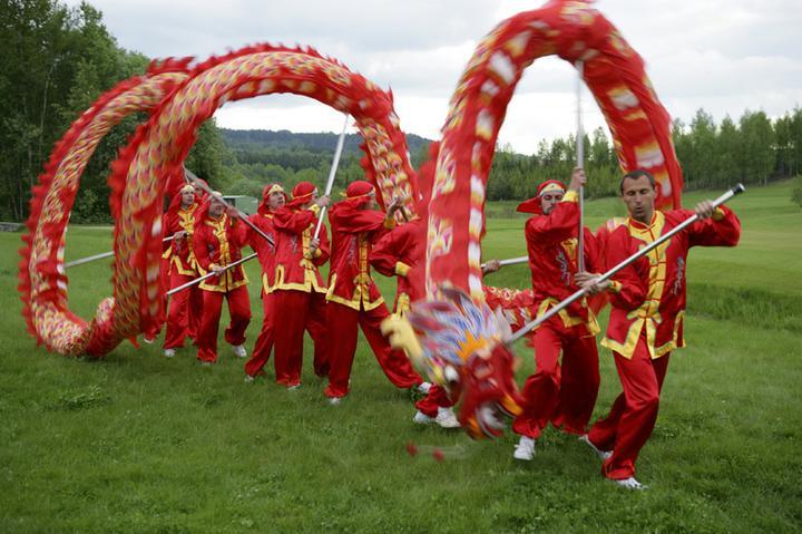 Katka a Hynek - Kluci slavili fakt úspěch, toto se vidí jen velmi, velmi zřídka - v Čechách nikdo jiný dračí tanec snad ani nedělá :-)
