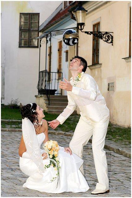 Deniska{{_AND_}}Maroško - .. tri, štyri.. no jo, vzala som si futbalistu..