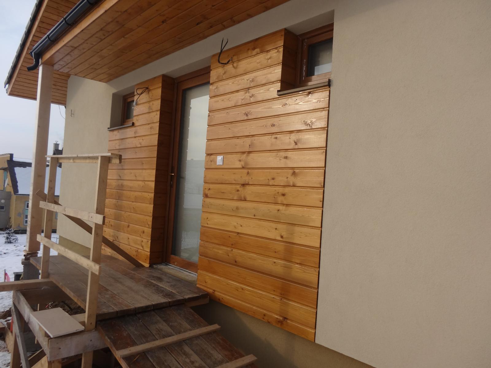 Laguna 23 - najkrajšia časť domu,drevený obklad.