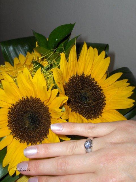 19.2. 2011 -Winter wedding :) - kraaaasny a hlavne moj, dakujem laska ;-*