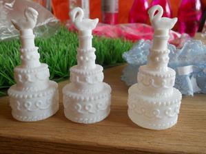 Pro 3 naše malé svatebčany :-) Dám jim je na stůl jako překvápko.