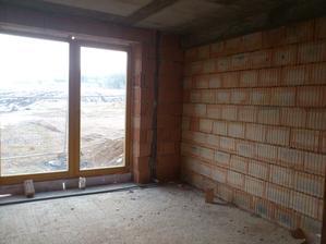 cast detskeho pokojika, pred oknom bude do metrovej sirky podlahove topeni