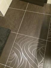 prve poriadne umyvanie a uz aj podlaha trosku vykukla :)