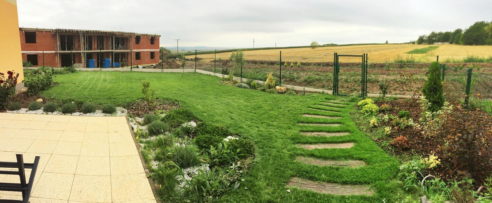 Zahrada- jak to vsechno zacalo.. - a prva panorama zahrady :)