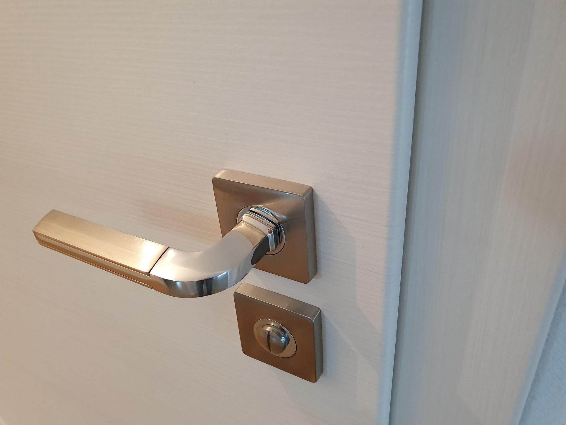 Co vyberem za dvere? - Prum, dekor touch white - detail