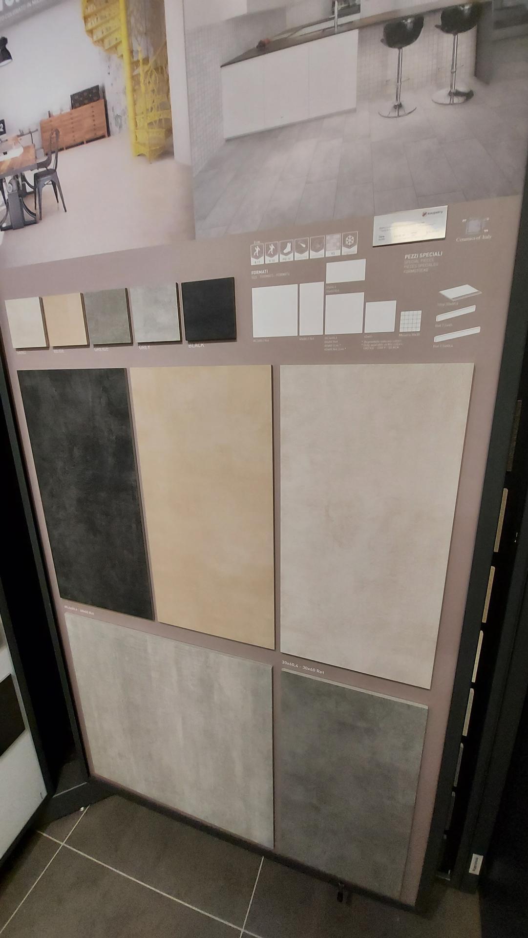 Koupelna-z ceho sme vybirali - obklady ve standardu