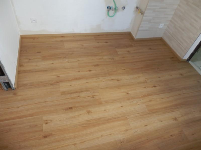 Vybirame podlahu - vinyl PARADOR dub  prirodni - real vzhled