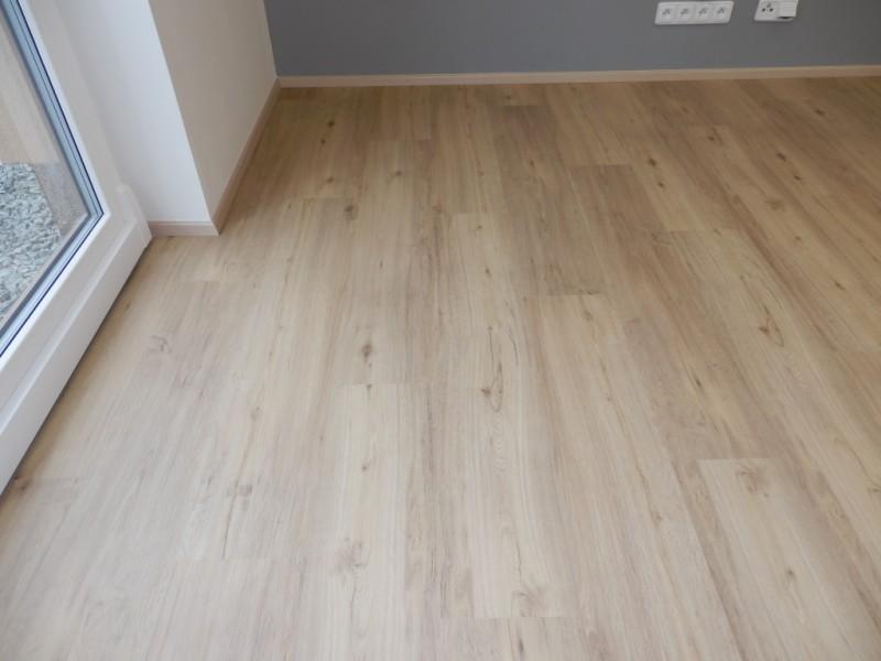 Vybirame podlahu - vinyl PARADOR dub  brouseny- real vzhled