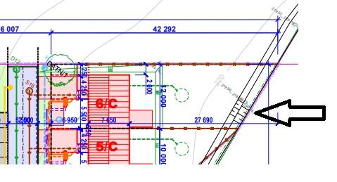 Dobry den, rozumim dobre tomu, ze oznacene cerne cary v projektu jsou odvodnovaci kanal? moc dekuju za jakoukoliv info :) - Obrázek č. 1