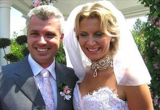 vdávala se tu Petra Minářová (česká Miss)
