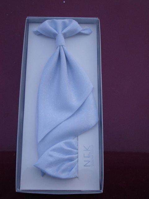 7.7.07 to vypukne - zenichova kravata (stala 490 korun)