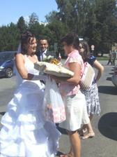 První gratulace už na parkovišti :-)