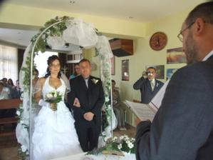 A svatba začala...