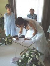 Podpis nevěsty.