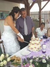 Krájení dortu.