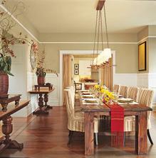 Úžasná jedáleň. Bohužiaľ náš dom bude malý, ale ten velikánsky stôl si v ňom viem živo predstaviť.