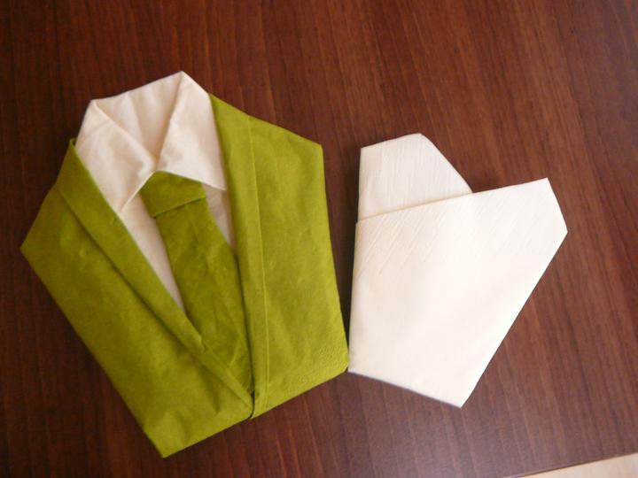 Moje servítkové kreácie :) - ženích a nevesta v zelenom :)