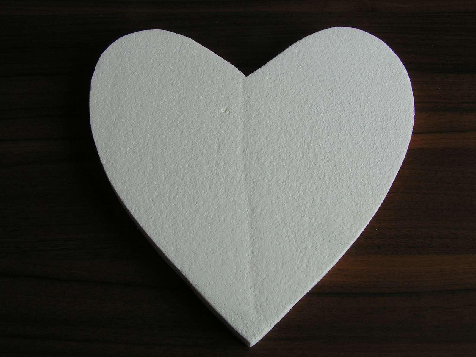 Polystyrenové srdce cca 30 x 30 cm - Obrázek č. 1