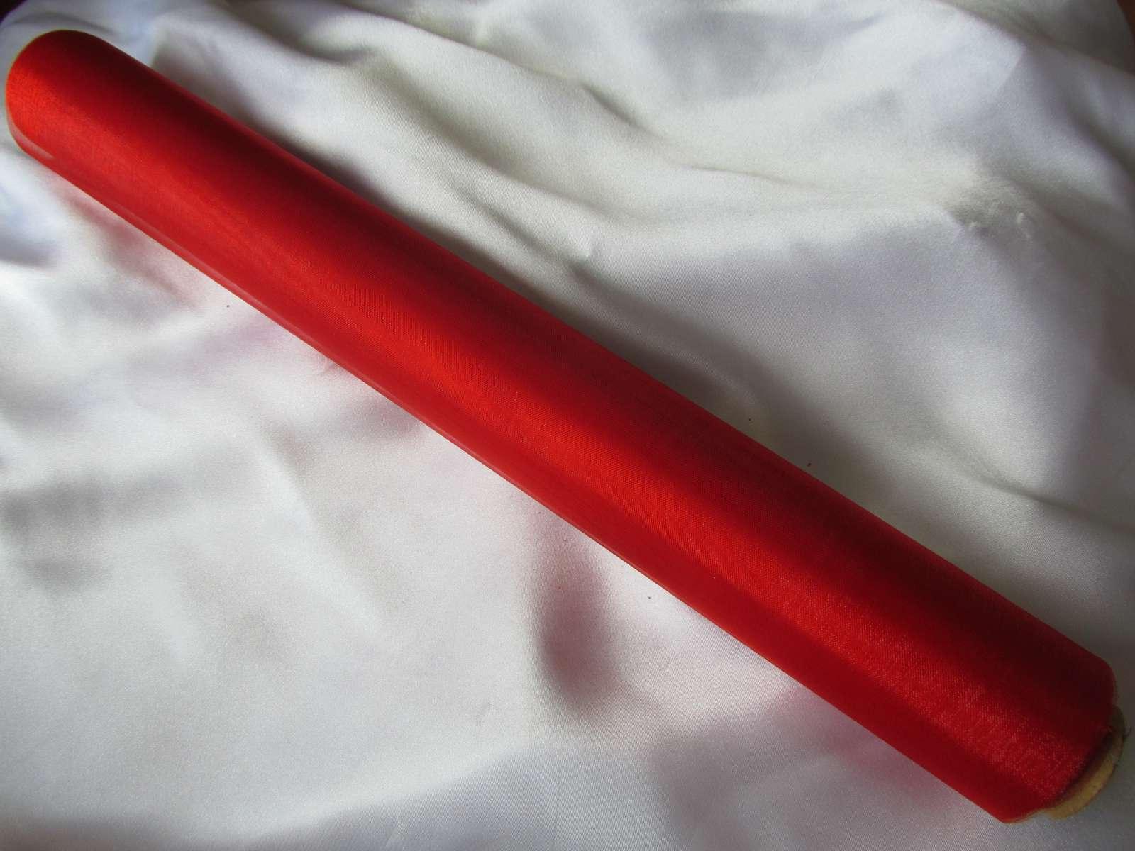 Červená organza - Obrázek č. 1