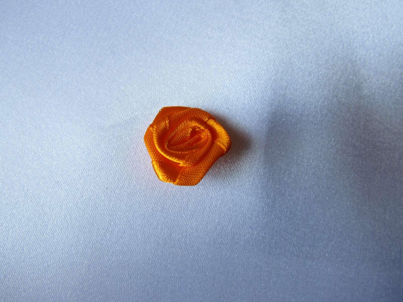 Oranžové saténové kytičky - 2 cm - Obrázek č. 1