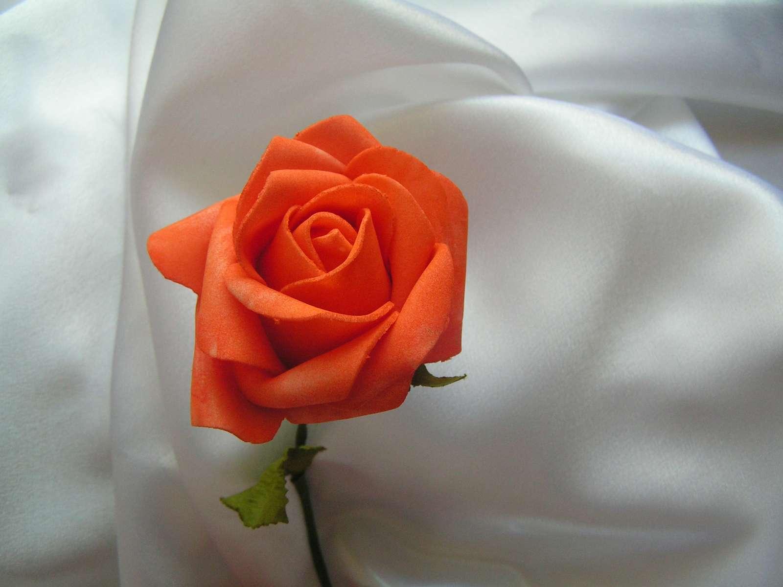 Oranžová pěnová růže - 7 cm - Obrázek č. 1