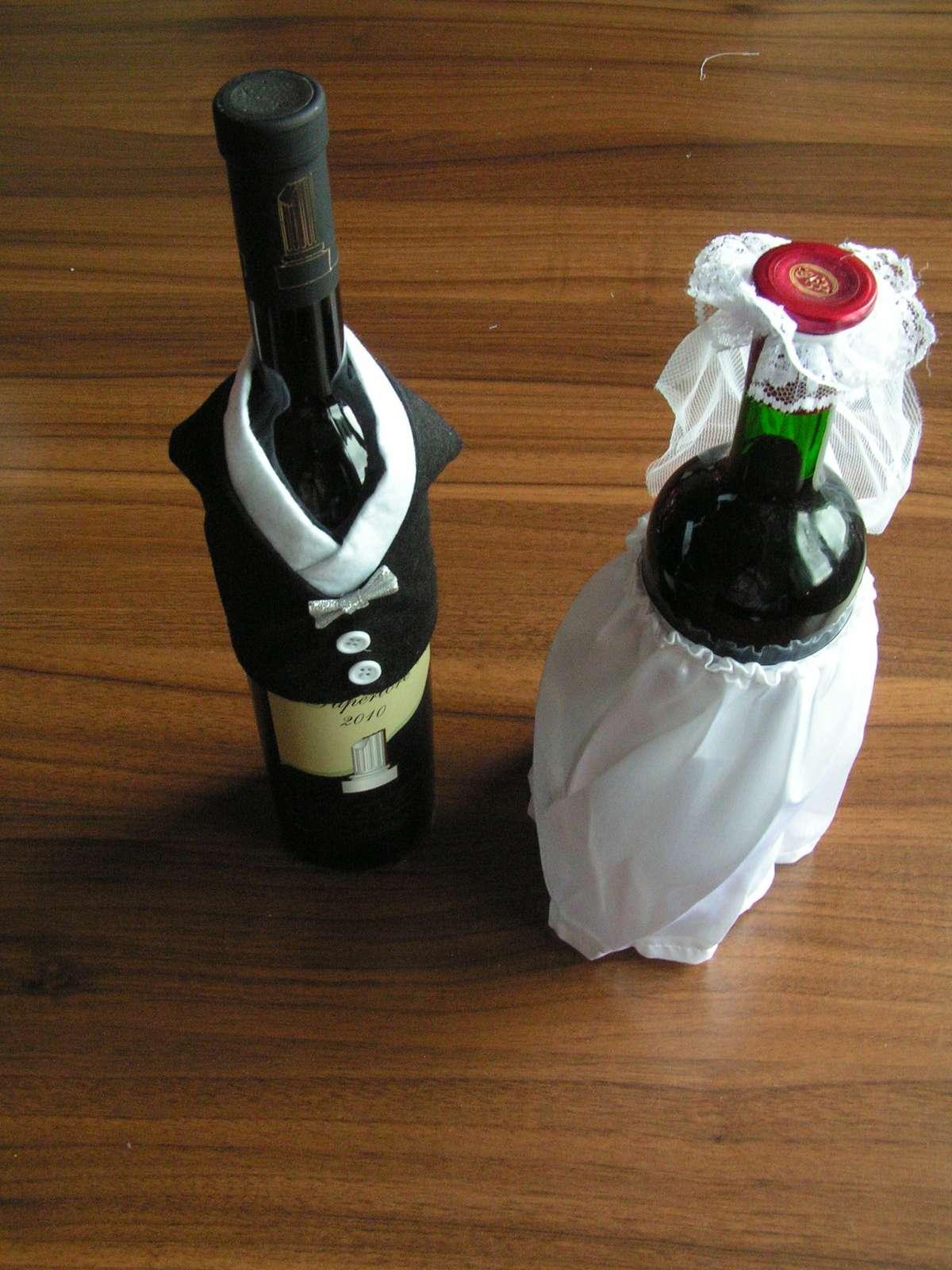Oblečky na lahve vína - Obrázek č. 1
