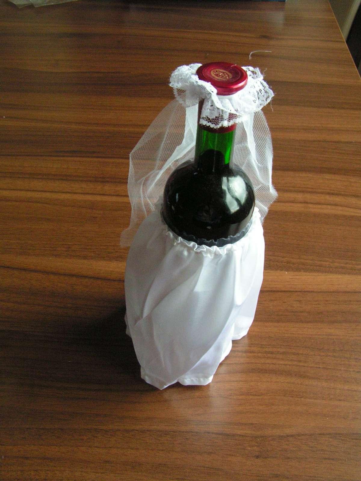 Oblečky na lahve vína - Obrázek č. 2