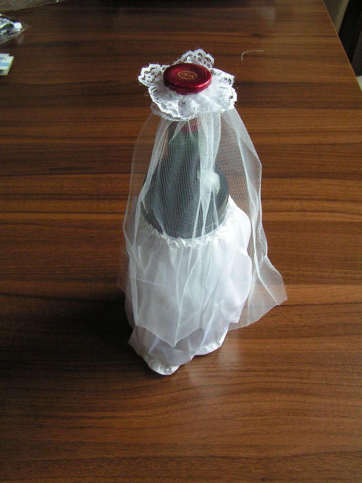 Oblečky na lahve vína - Obrázek č. 3