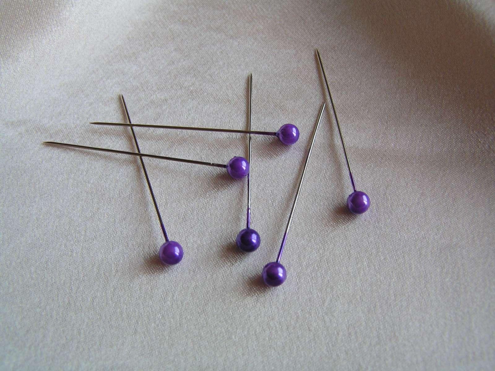 Velké fialové špendlíky - Obrázek č. 1