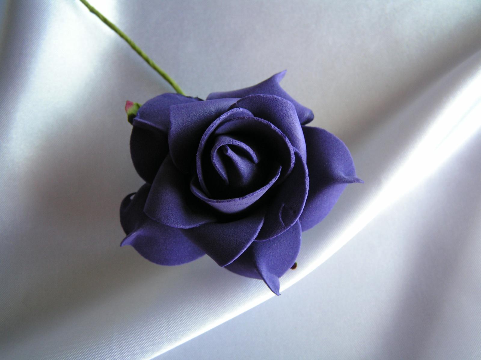 Tmavě fialová pěnová růže - 7 cm - Obrázek č. 1